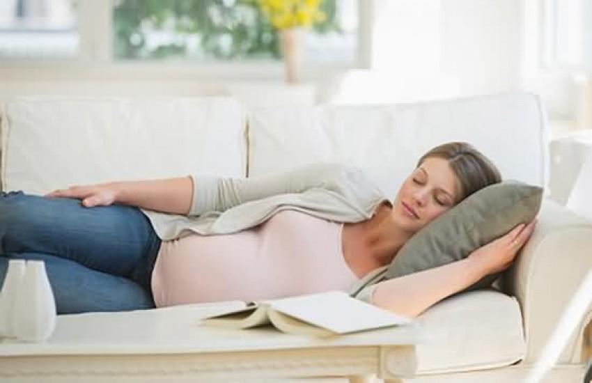 posisi tidur ibu mengandung