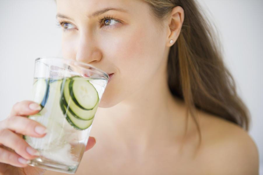 minum air timun