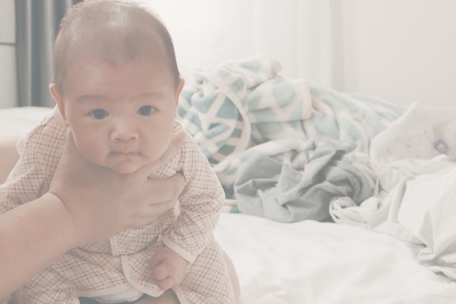 Cara sendawakan bayi
